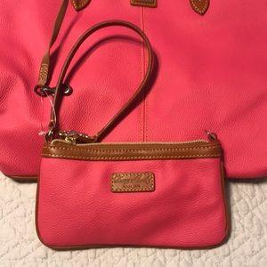 Dooney & Bourke Bags - Brand New Dooney & Bourke Large Purse & Wristlet